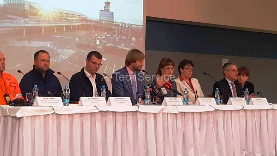 A-TechService-tiskova-konference-letiste-Vaclava-Havla-Praha-covid-19