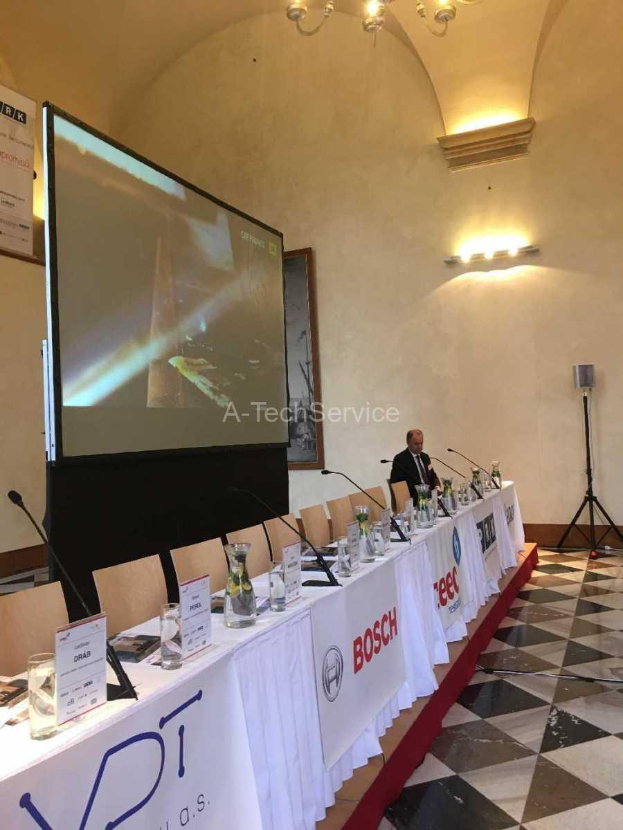 PRAZSKY_HRAD_MICOVNA-konference-Ozvuceni_velkoplosna_projekce_a-nahledy_na_obrazovky_rizeno_video_rezii_AV_zaznam_s_prenosem-89