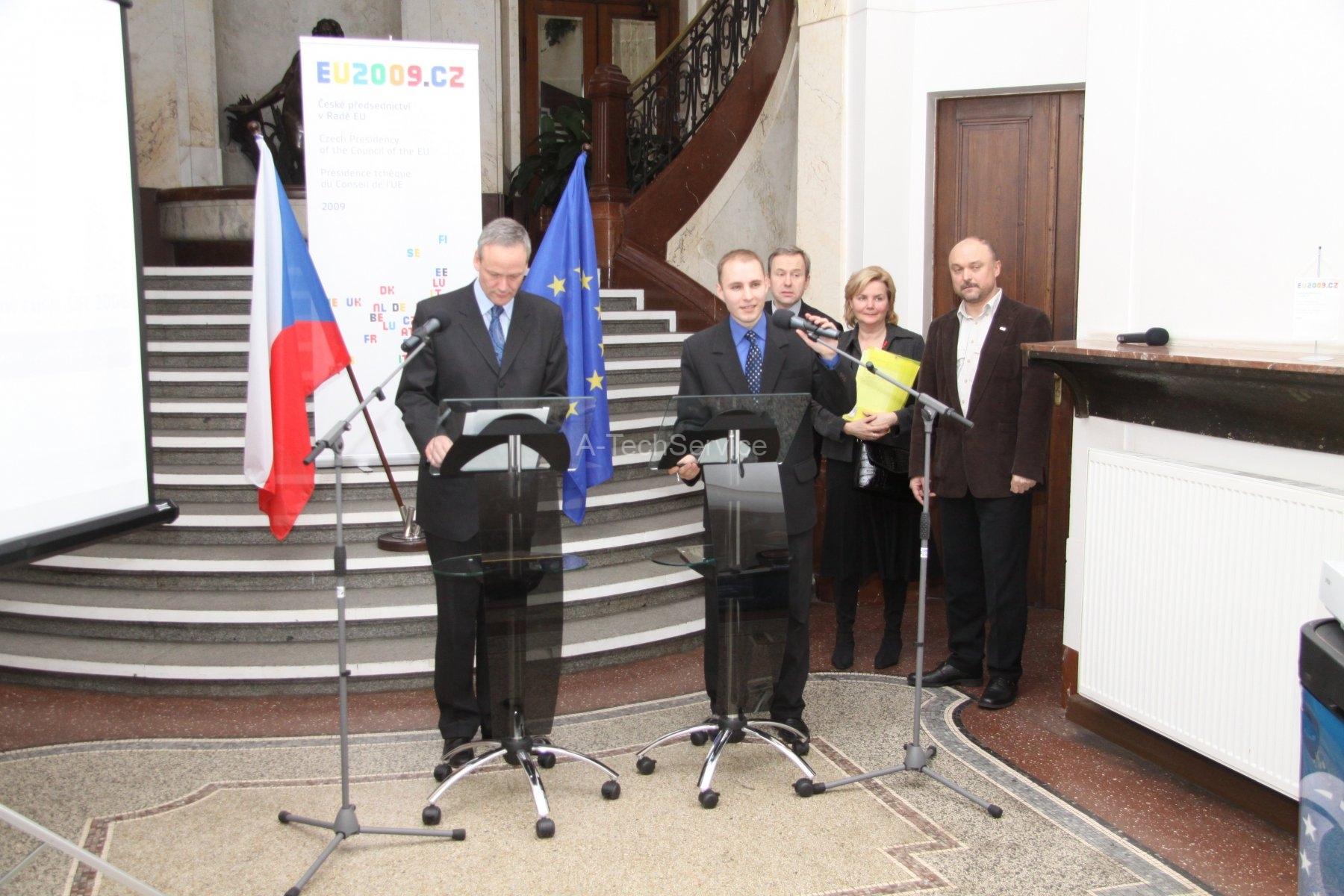 Tiskova-konference-ministerstvo-CR
